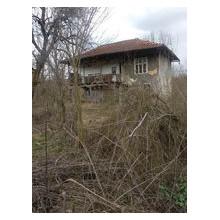 Драгановци парцел със стара къща ID 209